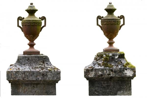 sculptures ornements socle ref e6929 origines chemin es anciennes mat riaux anciens. Black Bedroom Furniture Sets. Home Design Ideas